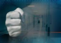 Mъж нападна дежурен лекар в спешен кабинет във Варна
