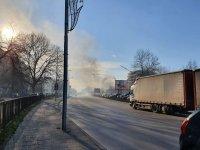 снимка 6 Сухи треви горят в района на Гребната база в Пловдив