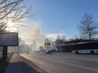 снимка 5 Сухи треви горят в района на Гребната база в Пловдив