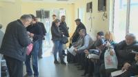 Опашки от чакащи да впишат газовите си уредби в талоните и днес