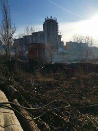 снимка 4 Сухи треви горят в района на Гребната база в Пловдив