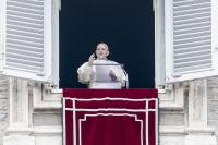 Папата е с отрицателен тест за коронавирус