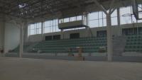 Шеста година ремонтират спортната зала в Разград