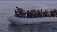 Мигранти стигнаха до остров Лесбос