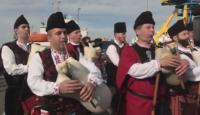 Родопски каба гайди огласиха Морската гара в Бургас за Трети март