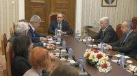 Президентът обсъди със синдикатите мерките, които трябва да се вземат за защита интересите на работещите