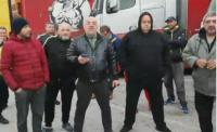 Първият конвой от блокирани български тирове на италианско-словенската граница тръгна към България