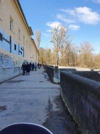 снимка 3 В Мюнхен не спазват мерките срещу COVID-19, парковете са пълни с хора