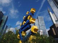 ЕЦБ препоръча на банките да не изплащат дивиденти най-рано до октомври