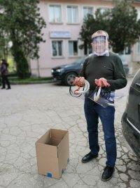 Над 160 предпазни шлема дари Русенският университет на лекари, полицаи и администрация
