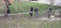 снимка 6 Група младежи се събира в столична градинка въпреки забраните(СНИМКИ)