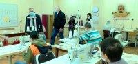 Социалното предприятие в Пловдив шие маски за общинските служители