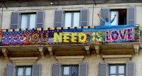 Живот на балкона - как хората в изолация намериха отдушник в кризата?