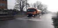 Дезинфекцират улиците в Пловдив, разчистват незаконни сметища в Столипиново