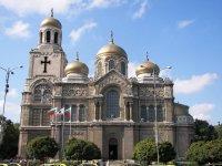 Дезинфекцират православните храмове във Варна за празниците