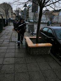 Дезинфекцират улици, контейнери и спирки в София