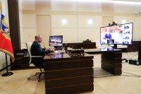 Путин ще работи дистанционно поне още една седмица