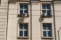 До 30 000 лв. може да бъде глобен Софийският университет заради дупките по фасадата