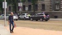 Полицията в София спря абитуриенти