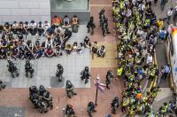 Китайският парламент прие спорен закон за националната сигурност на Хонконг
