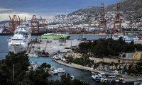 Гърция отваря таверни, кафенета и барове