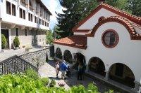 Драгалевският манастир – спокойствие край София
