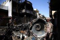 """Експерти от """"Airbus"""" разследват самолетната катастрофа в Пакистан"""