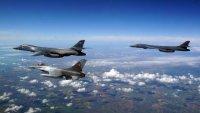 Стратегически бомбардировачи на САЩ прелетяха над Европа