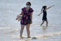 Слънчев бряг готов! По плажовете спасители, охрана... 8 лева за чадър и шезлонг