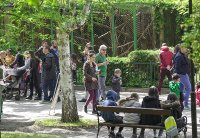 Зоопаркът – вход свободен. Тълпи от хора, подплашени животни